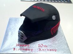Birthday cake in the shape of a Honda dirt bike helmet Motorcycle Birthday, Motorcycle Cake, Motorcross Cake, 2nd Birthday, Birthday Cakes, Birthday Ideas, Dirt Bike Helmets, Cake Decorating Classes, First Down