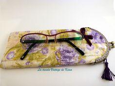 Funda para gafas con boquilla - flores violeta- de La Tienda Vintage de Kima por DaWanda.com