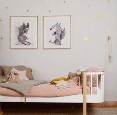 Girls' room- Dark blush blankets