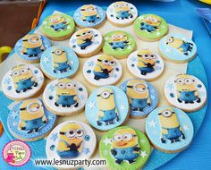 Galletas Minions mesa dulce - Minions cookies sweet table