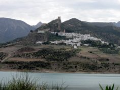 Zahara de la Sierra - Photo taken in Algodonales, Cádiz, Spain by Robert Bovington http://bobbovington.blogspot.com.es/2011/10/white-towns-of-andalusia-pueblos.html