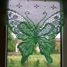 Rideau papillon fait au crochet fait main