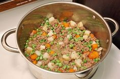Due to my peanut/nut allergy, I didn't eat much processed food growing up. That taste for real food has grown into a love of creating healthy, wholesome meals for Garrett and I. A few months … dog food recipes pets Homemade Dog Food – Beef Stew Food Dog, Make Dog Food, Puppy Food, Real Food Recipes, Dog Food Recipes, Dog Training Methods, Training Dogs, Homemade Dog Treats, Doggie Treats