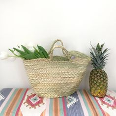 We can't wait to go shopping at a market with the Beldi natural basket made of dried palm leaves. Hand woven by Moroccan artisans. Market Baskets, Go Shopping, Hand Weaving, Palm, Artisan, Lifestyle, Nature, Wicker, Hand Knitting
