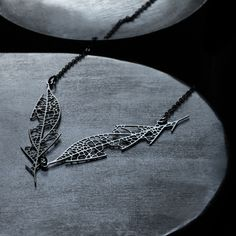 moorigin / Skeleton Leaf Pendant D Black