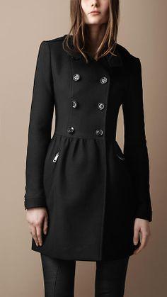 Abrigo evasé en sarga de lana | Burberry