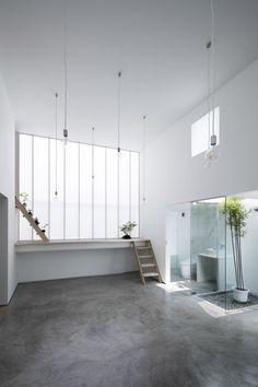 yoshiaki yamashita designs shoji screen house in osaka Architecture Du Japon, Houses Architecture, Interior Architecture, Interior And Exterior, Japan Interior, Shoji Screen, Screen House, Style Deco, Minimalist Home