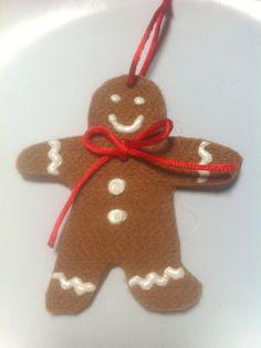 Decorazione Gingerbread in feltro con disegni di CoseaCasaShop, €2.00