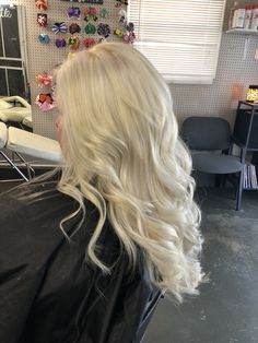 Big beautiful curls on platinum blonde colored hair.  With ultra lightener with 30v   #kreationsbykatie #aloxxi