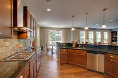 Kitchen Design Photo Gallery   Parade of Homes