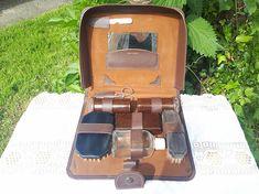 0c1c8c30d234 1950 s Men s Grooming Kit Travel Dopp Kit Bakelite Razor   Shaving Brush  Mid Century Retro Toiletry Bag Father s Day Gift for Him
