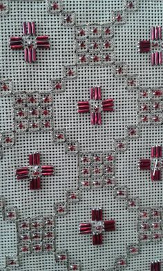 Cross Stitch Borders, Cross Stitch Alphabet, Cross Stitch Flowers, Cross Stitching, Needlepoint Stitches, Needlepoint Canvases, Needlework, Beaded Embroidery, Cross Stitch Embroidery