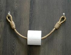 Toilet paper holder Wooden roll holder Jute Rope Nautical Dcor for the bathroom Bathroom Paper Towel Holder, Rustic Paper Towel Holders, Paper Roll Holders, Toilet Paper Roll Holder, Toilet Paper Holder Nautical, Diy Makeup Organizer, Deco Marine, Nautical Bathroom Decor, Beach House Decor