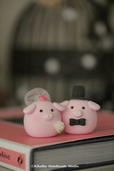 Pig and Piget MochiEgg wedding cake topper