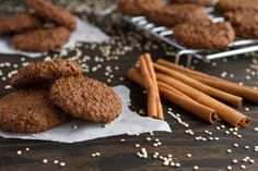 Vegan, gluten-free gingerbread breakfast cookies made with cooked quinoa, blackstrap molasses and Winter spices. Blackstrap molasses was the first superfood that I was introduced to. The great thing (Quinoa Recipes Cookies) Quinoa Breakfast, Breakfast Cookies, Healthy Breakfast Recipes, Healthy Desserts, Mexican Breakfast, Breakfast Sandwiches, Breakfast Pizza, Free Breakfast, Breakfast Bowls
