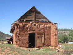Old adobe structure in Mora, NM. My tio Medina was raised in Mora and we spent many summer fishing here too New Mexico Style, New Mexico Homes, New Mexico Usa, Abandoned Houses, Abandoned Places, Old Houses, Adobe Homes, Travel New Mexico, Southwest Usa