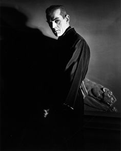 Boris Karloff in The Black Cat. Tap the link for an awesome selection cat and kitten products for your feline companion! Boris Karloff Frankenstein, Bride Of Frankenstein, Horror Show, Horror Films, Classic Hollywood, Old Hollywood, Horror Fiction, Horror Posters, Famous Monsters