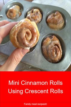 Mini Cinnamon Rolls Using Crescent Rolls - Family meal recipes Mini Cinnamon Rolls Using Crescent Rolls - Family meal recipes Breakfast Pastries, Breakfast Items, Breakfast Dishes, Breakfast Recipes, Sweet Recipes, Meal Recipes, Dessert Recipes, Cooking Recipes, Recipies