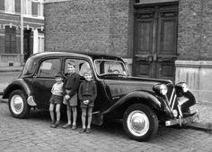 Citroen Traction 11 B 1952 3008 Peugeot, Peugeot 206, Citroen Concept, Vintage Cars, Antique Cars, Art Deco Car, Automobile, Trip The Light Fantastic, Citroen Traction