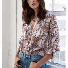 🚨1 HR SALE🚨HAYLEY floral print blouse - TAUPE Floral Print  Blouse. So fun & perfect for spring & summer.  Fabric 100% POLYESTER 🚨NO TRADE, PRICE FIRM🚨 Bellanblue Tops Blouses