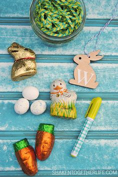 Mini Mason Jar Easter Baskets - adorable gifts, place cards or party favors!