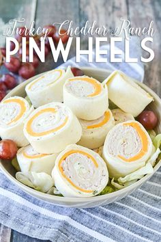 Ditch the same old same old sandwich and try these easy and delicious Turkey Cheddar Ranch Pinwheels perfect for lunch, snack or on the go! Tortilla Pinwheel Appetizers, Tortilla Pinwheels, Pinwheel Recipes, Pinwheel Wraps, Pinwheel Sandwiches, Wrap Sandwiches, Turkey Pinwheels, Ham And Cheese Pinwheels, Turkey Roll Ups