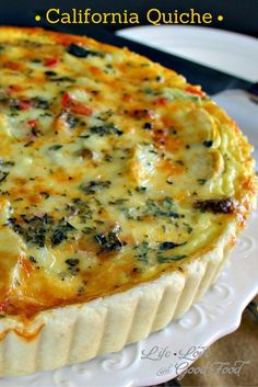 California Quiche, a veggie lover's dish with zucchini, peppers, onion, and artichoke hearts. One serving of this vegetable quiche is under 250 calories! Breakfast Quiche, Breakfast Dishes, Breakfast Ideas, Brunch Ideas, Breakfast Casserole, Quiches, Vegetable Quiche, Good Food, Yummy Food
