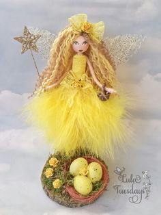Lula Tuesdays yellow fairy peg doll Fairy Crafts, Doll Crafts, Paint Stick Crafts, Christmas Shadow Boxes, Felt Fairy, Clothespin Dolls, Flower Fairies, Fairy Dolls, Felt Ornaments