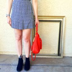 """Free people high waisted  tulip printed skirt! Free people tulip printed skirt! This skirt is just too cute! Model is 5'6"""" for length reference! Free People Skirts Mini"""