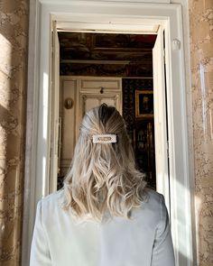 Hair Inspo, Hair Inspiration, Platinum Hair Color, Dramatic Hair, Mane Event, Beautiful Hair Color, White Blonde, Hair Flip, Glitter Hair