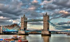 Tower Bridge. London (United Kingdom).