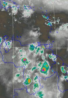 Satélite Vapor de Agua 23:45UTC: Nublados densos en Amazonas y Bolívar. Otros sobre el Este de Miranda y Anzt.,Guárico