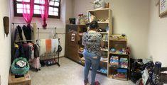 Mise en place du magasin troc et artisanat Service A Domicile, Spaces, Mise En Place, Shop Local, Handicraft