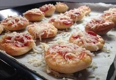 Party Snacks, Doughnut, Pizza, Shrimp, Food And Drink, Cooking Recipes, Lunch, Cheese, Homemade