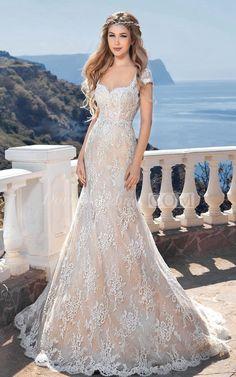 Mermaid Floor-Length Square Short-Sleeve Keyhole Lace Dress