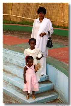 The sheriff's wife and two of his daughters in Mbuji-Mayi.