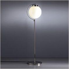 Die Stehlampe im Bauhausstil von Tecnolumen ist ein Klassiker unter den Stehleuchten.