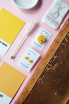 Honey comb Pin - yellow brooch - honey bee - polymer clay - hexagon shape - woodland jewelry - honey jewelry - honeycomb jewelry - clay food