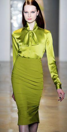 Cushnie et Ochs a/w 14 -- chartreuse Green Fashion, Daily Fashion, Fashion Beauty, Womens Fashion, Christian Dior, Givenchy, Vert Olive, High Fashion Dresses, Costume