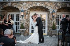 The Stone Courtyard was the perfect setting for this first kiss! (Justin Pedrick Photography)