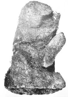 Mitten from Ralswiek, from  Die Slawen in Deutschland, J. Herrmann.