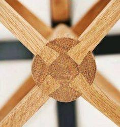 Фотография Intarsia Woodworking, Woodworking Logo, Woodworking Joints, Woodworking Patterns, Woodworking Techniques, Woodworking Furniture, Fine Woodworking, Woodworking Projects, Woodworking Workbench