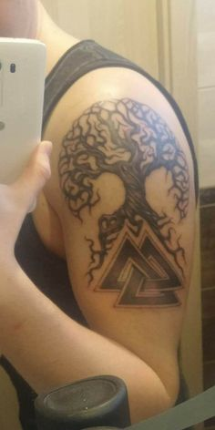 #treeoflife #yggdrasil #valknut #tattoo real tattoo on me :) Would not mind if you want it too... Im happy to share (yggdrasil with valknut)