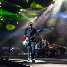 #Repost @lukejamroz: Zach Myers from @shinedown #lukejamrozphoto #zachmyers #shinedown   Barry Kerch Brent Smith Eric Bass Shinedown Shinedown Nation Shinedowns Nation Zach Myers
