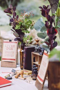 Un mariage au Mas de So par Monsieur+Madame (M+M). Thème rustique rouge en fil conducteur. ©Cédric Dendoune www.monsieurplusmadame.fr