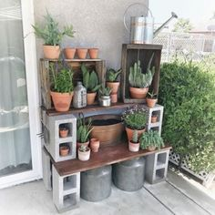 diy garden Cinder Block Potting Station: Or how about a table, like this genius DIY potting station We could also see this serving well as a grilling prep table. Click through to find more DIY garden ideas to use cinder blocks in your backyard. Backyard Garden Landscape, Large Backyard, Backyard Patio, Backyard Landscaping, Backyard Ideas, Diy Patio, Landscaping Ideas, Garden Ideas Diy, Diy Garden Table