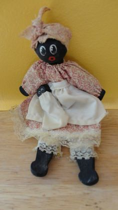 Vintage Wooden Mammy Doll With Baby by tennesseehills Black Queen, Doll Toys, Baby Dolls, Dolls And Daydreams, Black Betty, Sweet Soul, New Dolls, European History, Cute Pins