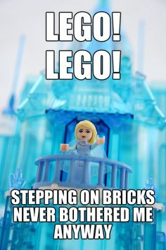 "Coolest dad ever creates Elsa's ice castle from ""Frozen"" in Lego Disney Jokes, Lego Disney, Disney Fun, Disney Pics, Funny Disney, Disney Stuff, Disney Magic, Lego Humor, Lego Memes"