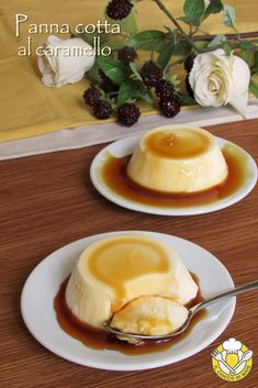 Caramel panna cotta, quick and easy dessert, suitable for any occasion! Italian Pastries, Italian Desserts, Easy Desserts, Italian Recipes, Delicious Desserts, Dessert Recipes, Gelato, Panna Cotta, Unique Recipes