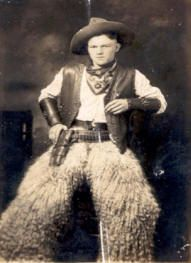 Vintage Cowboy Photo, love the sheep fur chaps! Real Cowboys, Cowboys And Indians, Cowboy Gear, Cowboy And Cowgirl, Old West Photos, Saloon, Into The West, Cowboy Outfits, Le Far West